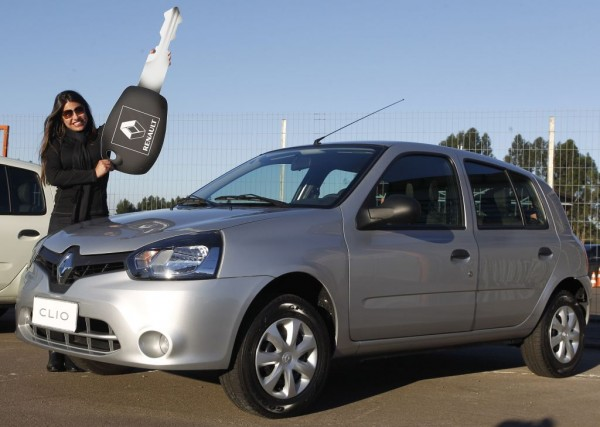 Novo Renault Clio mostra que é bom de economia e faz 29,4 km/l em desafio