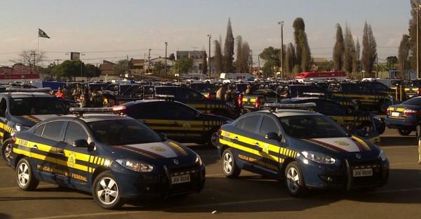 Renault Fluence reforça a frota da Polícia Rodoviária Federal durante a Jornada Mundial da Juventude