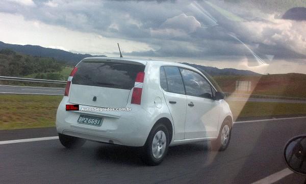 VW tentar disfarçar versão duas portas do Up!