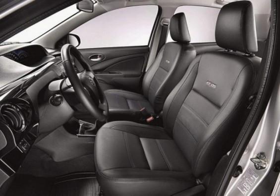 Toyota lança série especial Platinum para o Etios